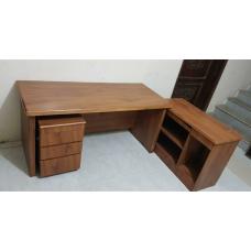 طاولة مكتب مع ادراج (L)